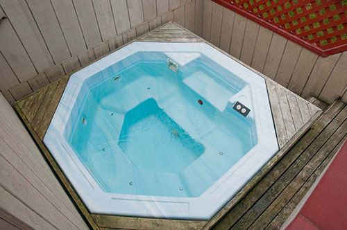 Motel Room with Hot Tub in Sequim